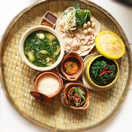 Mâm cơm người Việt - Lẩu cá bóp - trong top 5 quán cơm niêu ngon Phan Thiết