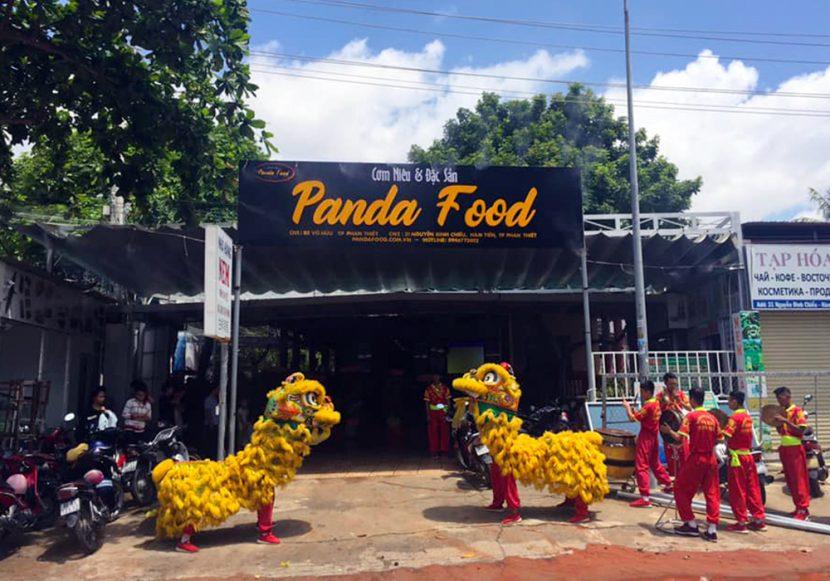 cơm niêu panda tren duong nguyen dinh chieu mui ne